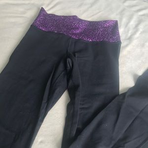 groove yoga pant with purple band